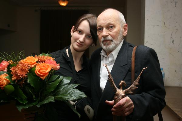 Laureat z ukochaną wnuczką Julią