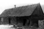 Budynek mieszkalny zdobudowana stajnia Wladyslawa Radaszki wDluzewie